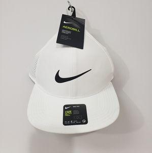 Men's Nike Hat NWT